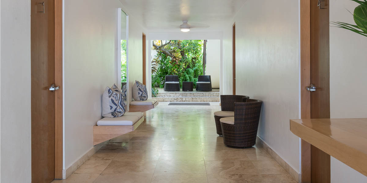 malecon house hallway horizontal